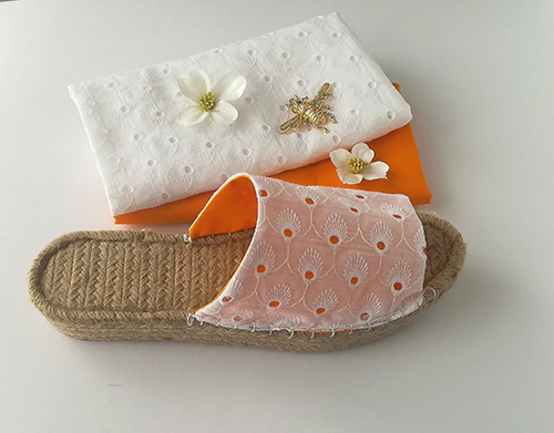 Espadrille pantolette cotton fabric with white lace pattern and ocher lining fabric